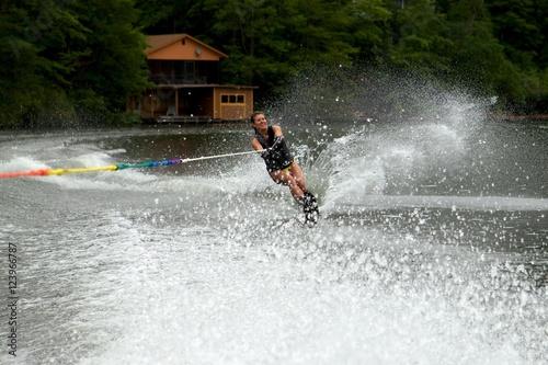 Poster Nautique motorise Girl water skiing on lake