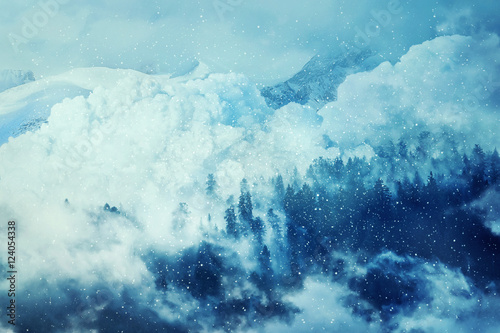 Carta da parati Fantastic winter background with an avalanche in the snowy mountains