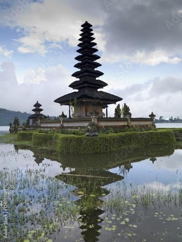 Beratan Lake, Bali, Asia; Ulun Danu Temple