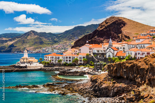 Fotografie, Obraz  beautiful view of a small town Canical on the eastern coast of Madeira island, P