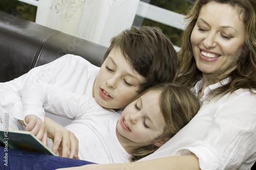 Fotografie, Obraz  Ganz normale Familie