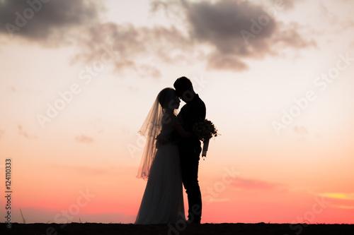 結婚式、夕日と愛 Canvas Print