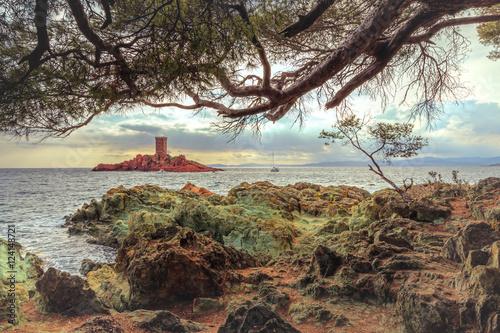 Papiers peints Beige Paysage de la côte d'azur: l'île d'or - French Riviera