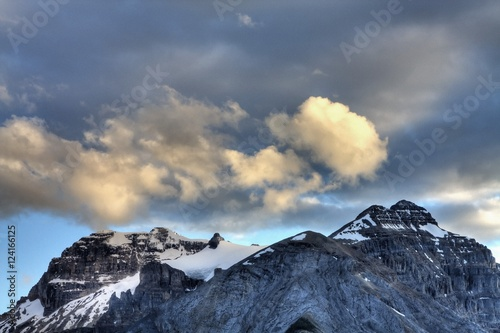 mountain-peaks-alberta-kanada