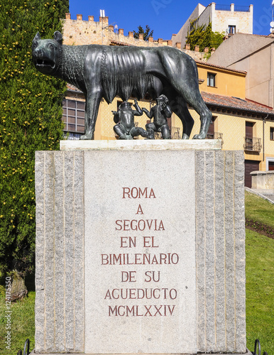 Fotografija  Loba capitolina en Segovia, España