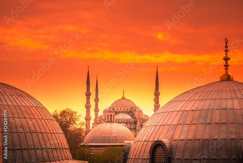Poster Corail The Blue Mosque, Istanbul, Turkey. Sultanahmet Camii is one of the major attractions of the city. The photo was taken at sunset.