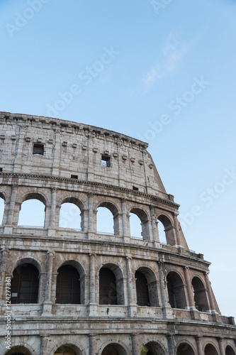 Fotografia, Obraz  Colosseum at night in Rome, Italy