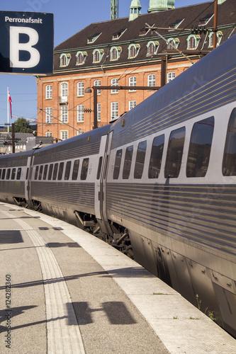 Photo  Railway station and high speed commuter train. ( Copenhagen)