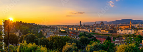 Foto op Canvas Florence Panoramic sunset view of Florence, Ponte Vecchio, Palazzo Vecchio and Florence Duomo, Italy