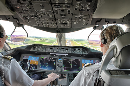 Pilot and copilot in commercial plane Fototapet