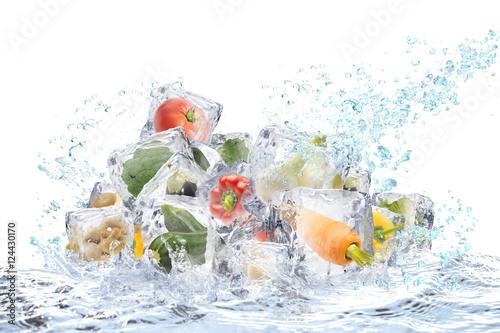 Staande foto Opspattend water 野菜