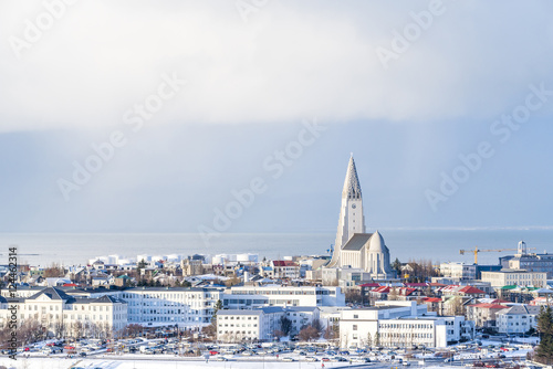 Fotografija  Arial view of Reykjavik  from Perlan in winter with the Hallgrimskirkja church, Iceland
