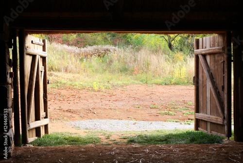 Open wooden gate old village barn Slika na platnu