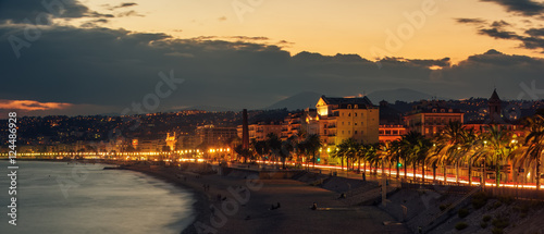 Fotografía  Nice, France: night view of old town, Promenade des Anglais