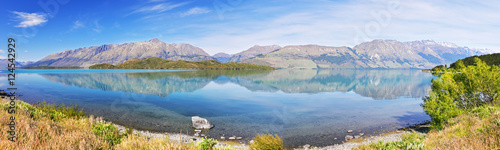 Fotografie, Tablou  Lake Wakatipu - inland lake (finger lake) in the South Island of New Zealand
