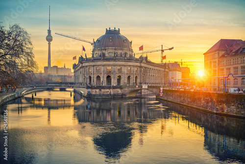 Keuken foto achterwand Berlijn Museum Island on Spree river and TV tower in the background at sunrise, Berlin, Germany