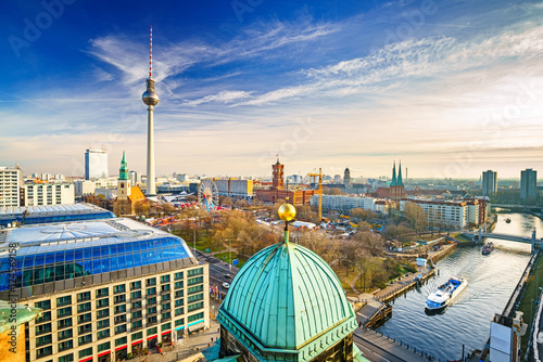 Spoed Fotobehang Berlijn Aerial view on Alexanderplatz and Spree river, Berlin, Germany