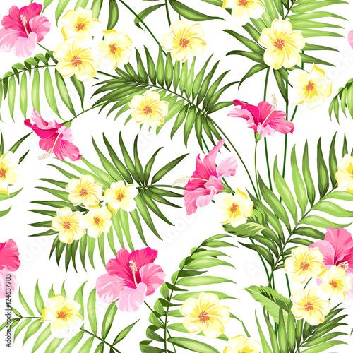 bezszwowy-tropikalny-kwiat-tropikalne-kwiaty-i-palmy-dzungli-piekny-tkanina-wzor-z-tropikalnymi-kwiatami-odizolowywajacymi-nad-bialym-tlem-okwitniecia-plumeria-dla-bezszwowego-deseniowego-tla