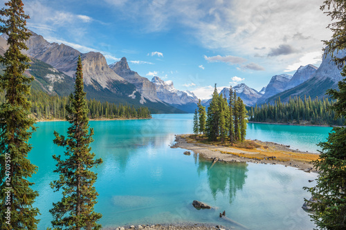 Spoed Foto op Canvas Canada Spirit Island in Maligne Lake, Jasper National Park, Alberta, Canada
