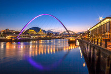 Gateshead Millennium Bridge An...