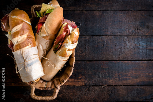 Vászonkép Sandwiches in the basket