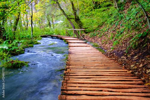 Foto op Canvas Weg in bos Boardwalk in the park Plitvice lakes