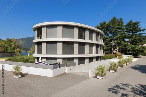 Staande foto Industrial geb. luxurious building exterior