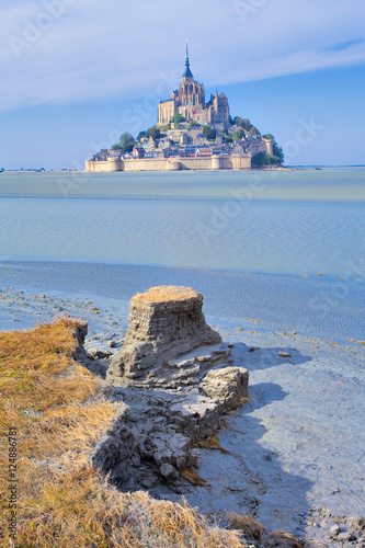 Obraz na płótnie Mont saint Michel, érosion et désensablement