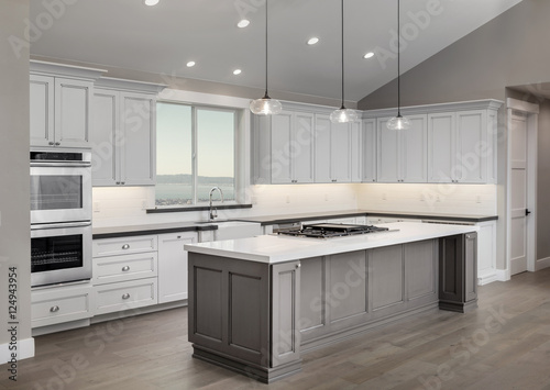 Photo Amazing new contemporary with large white Kitchen with kitchen I