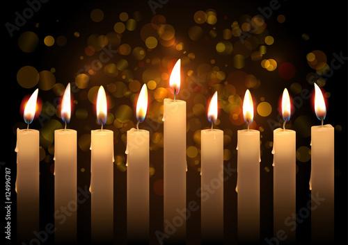 In de dag Vuur Hanukkah realistic vector candles over bokeh background. Created with gradient mesh.