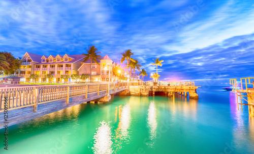 Valokuvatapetti Pier on the port of Key West, Florida at sunset