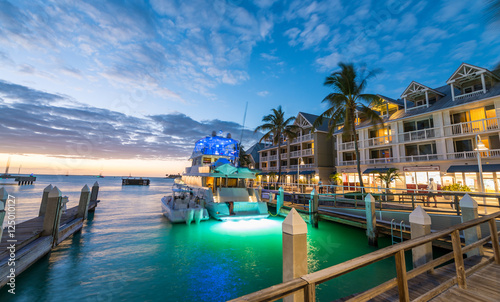 Photo  Pier on the port of Key West, Florida at sunset