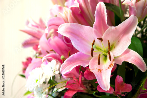 beautiful bouquet with lilies Fototapete