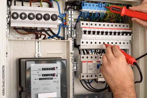 Obraz Sicherungskasten Stromprüfung - fototapety do salonu