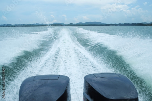 Spoed Foto op Canvas Water Motor sporten Speed Boat's Engines with Full Speed