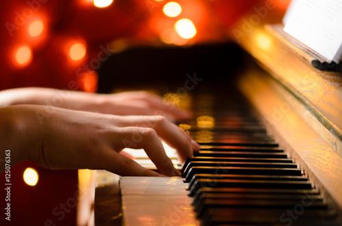 Fotomural Klavier spielen