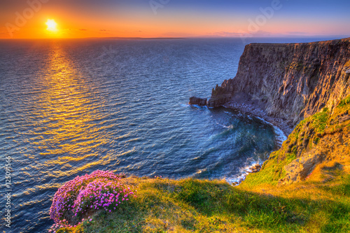 Poster Cote Cliffs of Moher at sunset in Co. Clare, Ireland