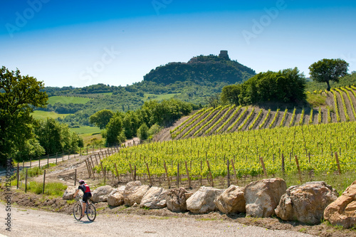 In de dag Toscane Val d'Orcia, Siena, Tuscany, Italy - Excursion in Mountain Bike
