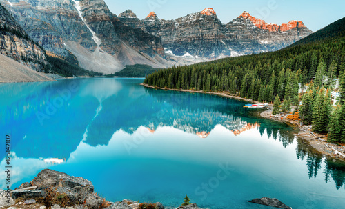 Valokuva  Moraine lake panorama in Banff National Park, Alberta, Canada