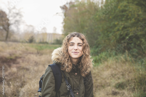 Fotografie, Obraz  giovane ragazza autunno