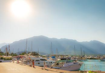 Fototapeta na wymiar Boats and yachts in the Bay of Kemer