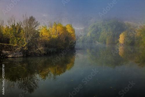 Foto auf Gartenposter Fluss Morning mists I