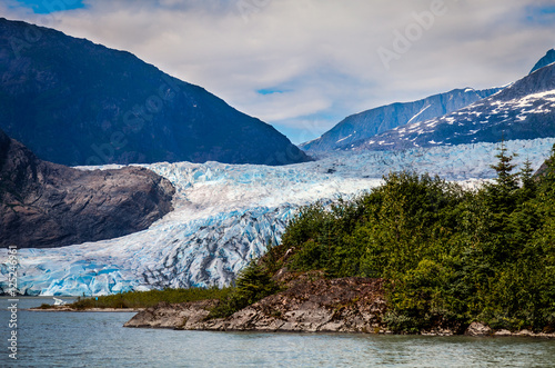 Fotografia, Obraz  Mendenhall Glacier- Juneau- Alaska  This is a beautiful, but receding glacier, than can only be seen at a distance, nowadays