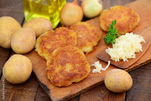 Kartoffeln Öl Reibekuchen