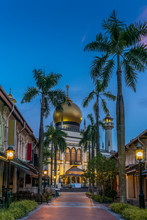 View Of The Masjid Sultan Mosque In Singapore At Sunrise