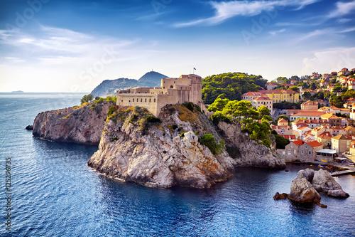 Obraz na plátně  General view of Dubrovnik - Fortresses Lovrijenac and Bokar seen