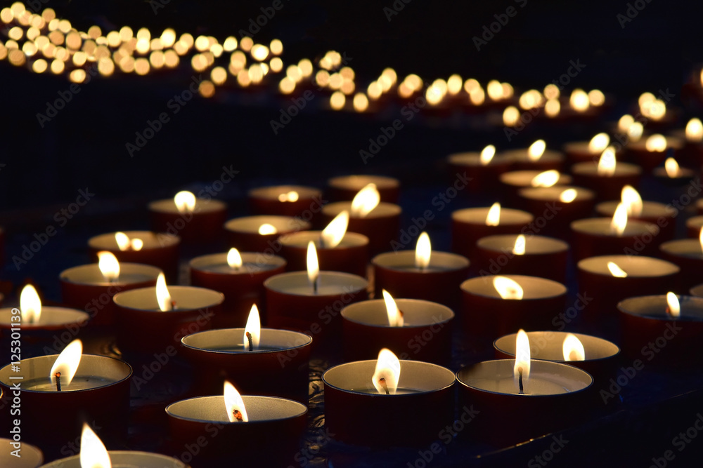 Fototapety, obrazy: burning memorial candles