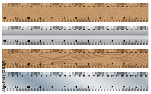 Fotografía  Wooden Ruler with Stainless Ruler