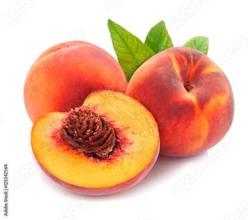Foto op Aluminium Vruchten Peach with leaves