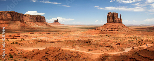 Stickers pour porte Orange eclat Monument Valley Navajo Tribal Park - USA